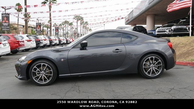 Pre-Owned 2017 Toyota 86 Base