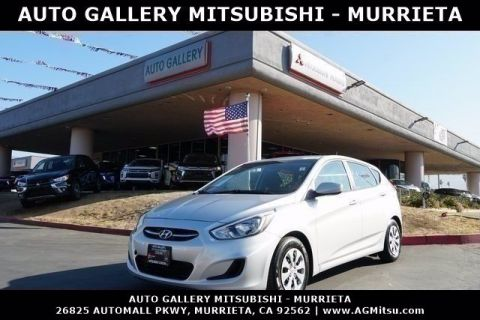 Pre-Owned 2017 Hyundai Accent SE FWD Hatchback
